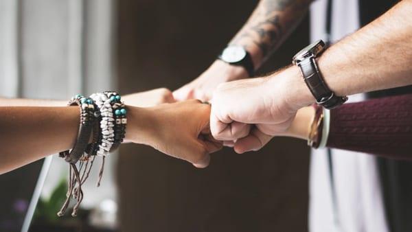 Взаимопомощь и поддержка