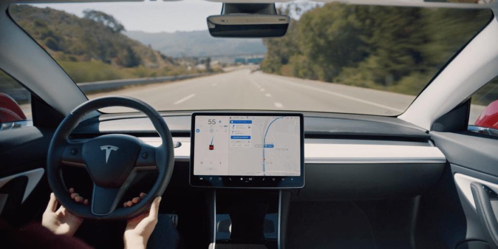 Эксперты смогли обмануть автопилот Tesla Model X, информационная безопасность ВУЗы магистратура Волгоград