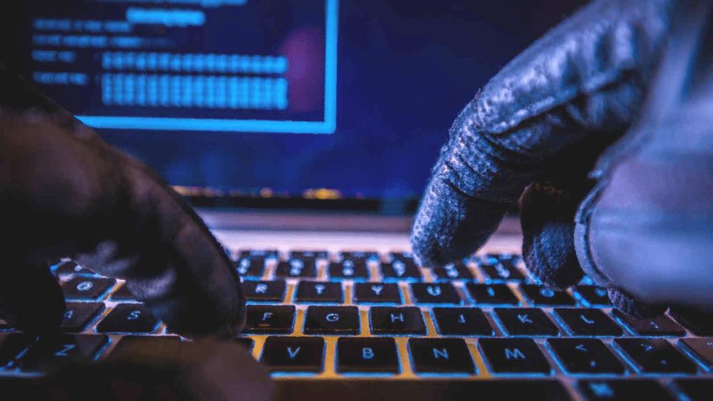 Хакеры атакуют мошенников при помощи шифровальщика, полный курс по кибербезопасности Алматы