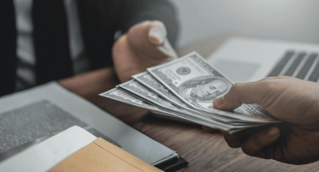 В даркнете продаются данные клиентов микрофинансовых организаций, специалист по информационной безопасности работа Днепр